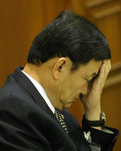 thaksin's visa headache