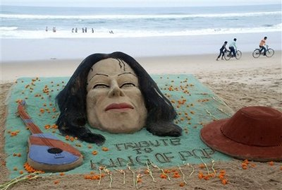 Sand sculpture trbute to Michael Jackson